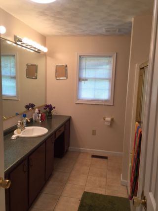 MASTER BATH WITH UPGRADE FEATURES
