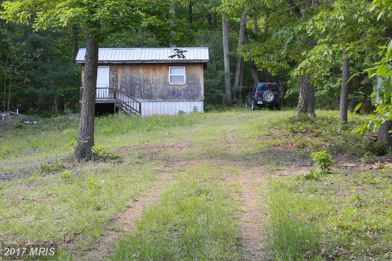 SECLUDED, PRIVATE ENTRANCE, WITH NO HOMES IN SIGHT