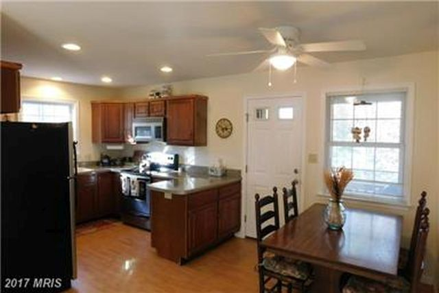 CONVENIENT DINING AND KITCHEN AREA