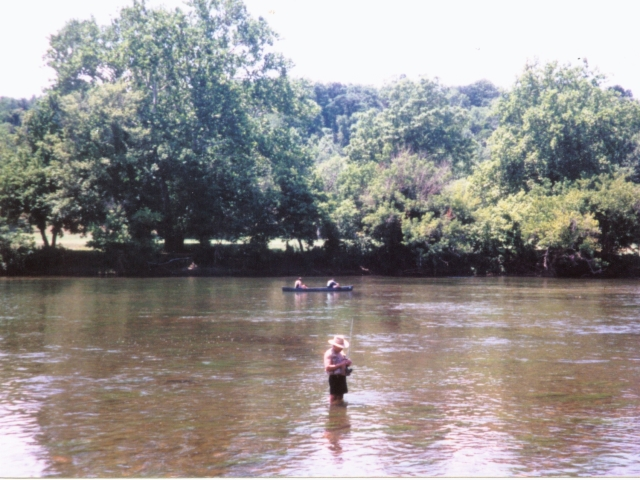 SHENANDOAH RIVER CLOSE BY TO FISH, SWIM, CANOE